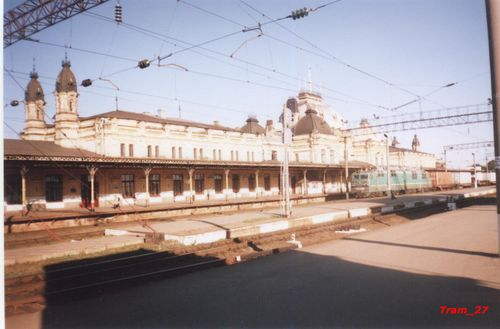 Zhmerynka_train_station .jpg
