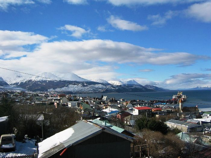 Ushuaia_in_early_Spring.jpg